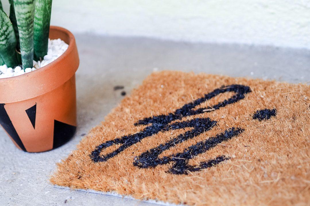 'hi' custom doormat